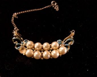 Antique Pearl necklace - needs repair