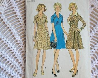 Simplcitiy 2914, a 1970s dress pattern