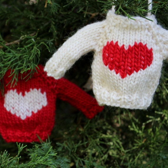 Knit Pattern Sweater Ornament : Knitting PATTERN / Christmas Ornament / Heart Mini Sweater