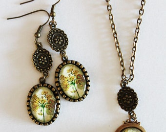 Set of necklace and earrings bronze color with pendant cabochon
