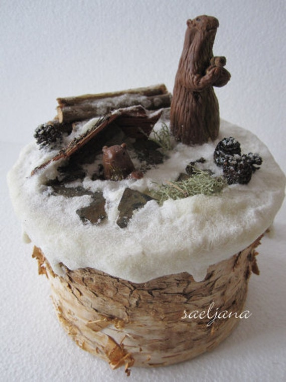 Musical marmots, MUSIC BOX! snow, winter, nice gift! Porcelain cold saeljana. Mountains, nature...