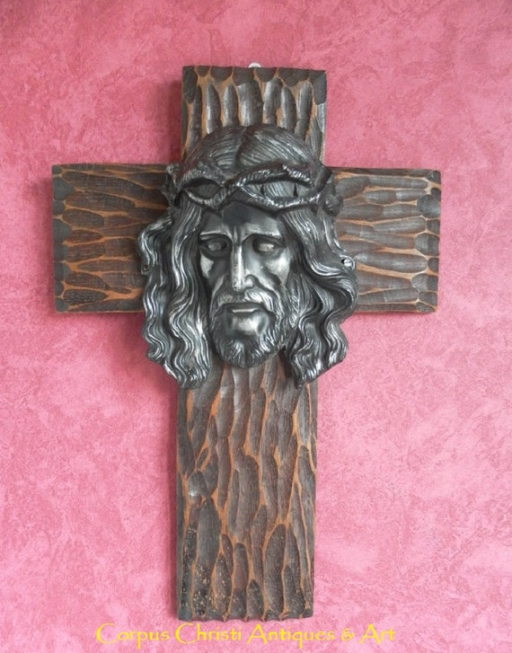 Vintage wooden relief carved crucifix by corpuschristiantique