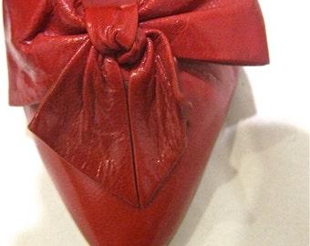 Vintage 1980s cherry red pumps, kitten heels, size 6.5 EXCELLENT CONDITION
