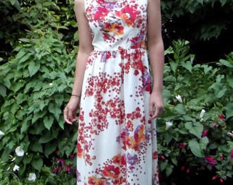 White Floral Maxi Dress with Triangle Cut-Out on Back