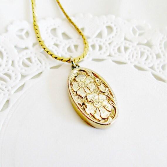 vintage monet necklace etched gold pendant floral oval pendant necklace