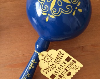 """Laser Cut Tags (28 tags) for Maracas or Party Favors """"Shake at the Kiss"""" """"Shake for a Kiss"""" """"Thank You"""" """"Amor"""""""
