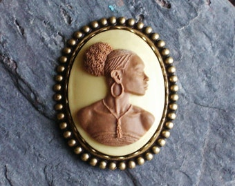 African cameo brooch, tan cameo brooch, African American brooch, antique brass brooch, holiday gift ideas, unique Christmas gift