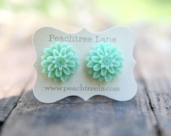 Mint Seafoam Chrysanthemum Flower Earrings // Bridesmaid Earrings // Wedding Party Gifts // Flower Earrings