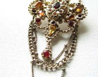 Fleur de lis necklace | red rhinestone | gold brooch | vintage | statement | pendant | costume