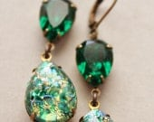 Vintage Emerald Opal Earrings,Emerald Green Glass Fire Opal,RARE,Swarovski Earrings,Faux Opal Earrings,Opal Jewelry,Hourglass,Rhinestone