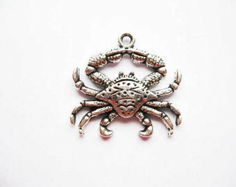 6 Crab Charms in Silver Tone - C1635