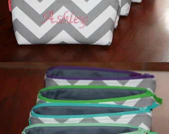 Set of 5 Personalized Bridesmaid Gift / Small zipper bag/ Custom made zipper Clutch/ Choose you favorite Designer Fabric.