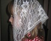 Child sized ,white lace chapel veil, Prod. # Zw04