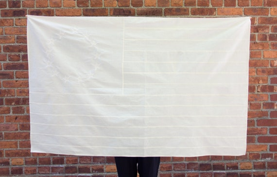 white muslin american flag fabric wall hanging. Black Bedroom Furniture Sets. Home Design Ideas