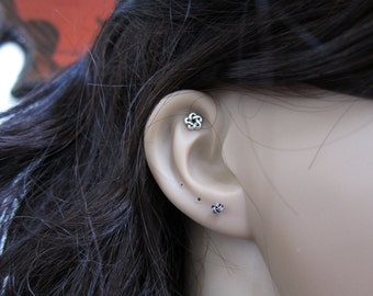 Sterling Silver Celtic Cartilage Earring, Knot stud earring, Celtic knot, Tragus Earring, Tiny stud Earring, piercing, Multiple piercing .