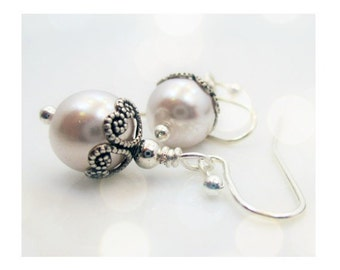 White Pearl Earrings, Bridal Jewelry, Bridesmaid Jewelry,  Pearl Earrings, Silver Earrings, Dangle Earrings, Drop Earrings, MONROE