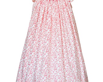 Girls pink smocked Summer dress, it's so angelical that will be perfect for your baby girl birthday dress.  Sizes 3m  left   17912