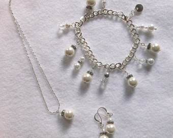 Bridal Jewelry Set. Bracelet, Earrings and Necklace