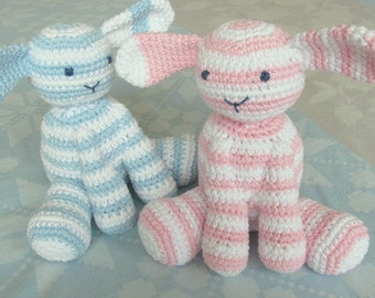 Dutch crochet pattern of this sweet little lamb