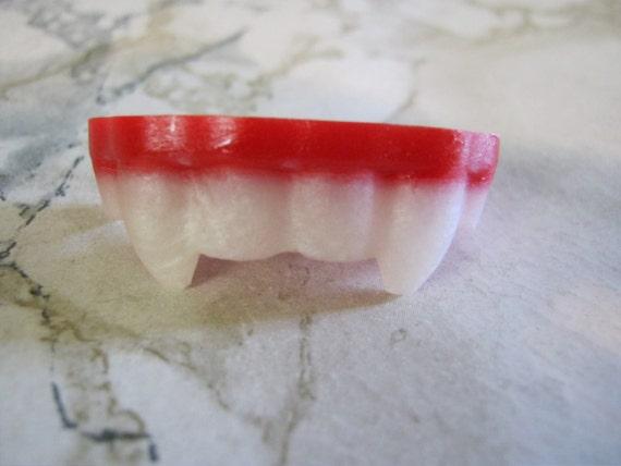 Molded Resin Vampire Fangs