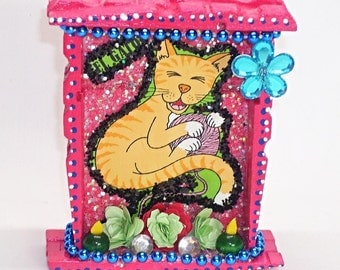 Mexican Nicho, El Gato Nicho, Cat Nicho, Day of the Dead, Mexican Folk Art, Mexican Kitsch, Cat Picture, Mexican Decor, Cat Memorial