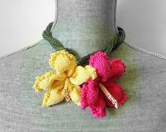 Women Knit Flower Fiber Art Jewelry Neck Corsage - Hibiscus Necklace