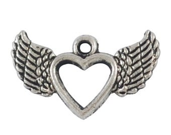 8 Winged Heart Charms silver tone (S030-cnt)