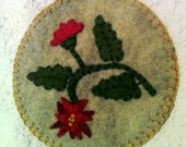 Folk Art Felt Poinsettia Penny Rug Mat Christmas Decoration