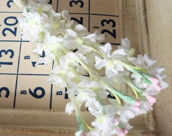 Vintage / Cotton Fabric White Lilacs / One Small Bunch / Eight Stems