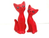 2 Handmade Chalkware Cat Figurines - Red Miniature Love Kitten Couple - ismoyo