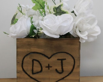 10 wooden boxes - Rustic Wedding Wood box - Country Barnwood Box Planter Centerpiece Flowers Personalized with Initials with heart