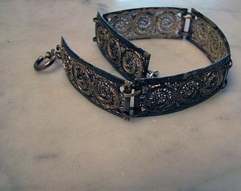 Vintage Antique Filigree Circle Swirl Five Panel Silvertone Bracelet