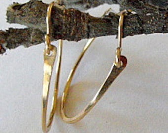 Medium gold hoop earings gold hoops hammered gold hoop earings