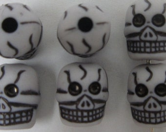 skull beads 11x9mm acrylic goth jewelry supplies findings charms   quantity 20  drw158