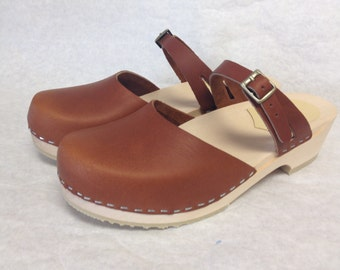 Honey oiled  Dalanna sandal clog low heel