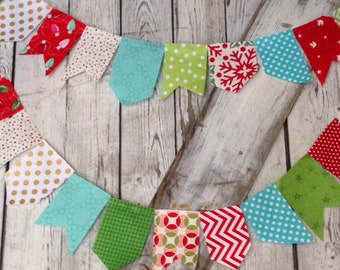 Christmas Flags, Christmas decor, Christmas Fabric, Photo Prop, Christmas Bunting Flags for fun home or party decor! Free shipping!