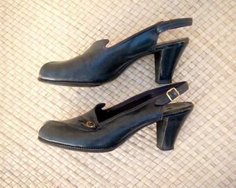 1940s peep toe pumps / 40s pumps / 40s heels / navy blue leather sling backs / womens 5-5.5