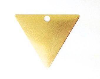 Big Hole Raw Brass Triangle Pendant (6) mtl432A
