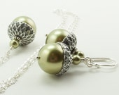 Jewelry Set, Acorn Necklace and Earrings Set with Light Green Swarovski Pearls Autumn Wedding, Bridesmaid Gift , Gift for Gardener