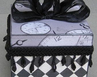 Chic Harlequin Black and White Keepsake Decorative Jewelry Trinket Box