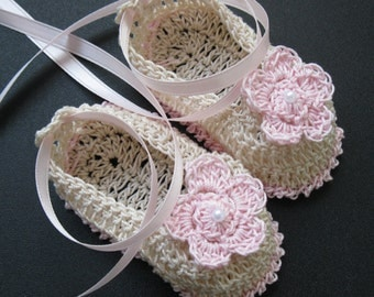 Crocheted Newborn Baby Girl Booties Infant Crib Shoes Baptismal Baby Booties Christening Crib Shoes Knit Reborn Shoes