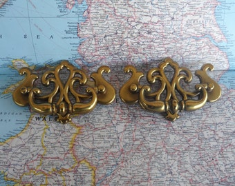 SALE! 2 vintage shiny brass metal open design pull handles*