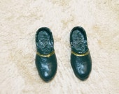 Miniature men's shoes loafers slippers doll house dollhouse 1:12