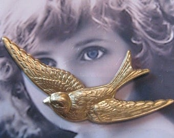 Raw Brass Large Bird in Flight Stamping Pendant with or with holes 696RAW  x1