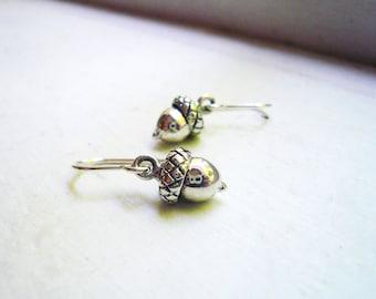 Little Silver Acorn Earrings in Sterling Silver - Small Solid Sterling Silver Acorn Earrings - Dainty Everyday Earrings