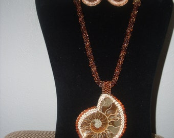 Vintage Style Necklace and Earrings    VO77