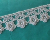 2 Yards Venise Lace Off White Flower Ribbon Trim 3/4 Inch Wide Rosebud Roses
