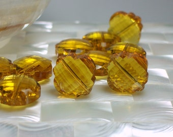 2pcs 18mm Chinese Crystal Glass Pendant Focal beads Lantern Clover Shape Gold/Yellow Jewelry Jewellery Craft Supplies