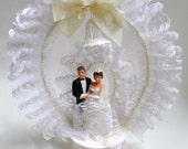 Vintage Wedding Cake Topper Bride and Groom 1980s Lace Pearls Baking Decoration Bridal Shower Wedding Day