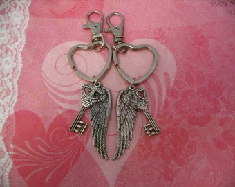 Angel Wing Keychains with Double Heart Key for Friends Mother Daughter Sisters gift